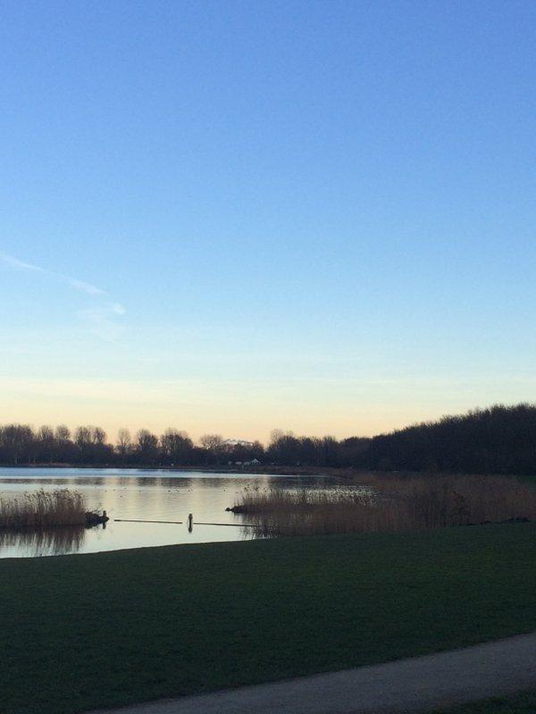 Prachtig weer gisteren met een strakblauwe lucht. Foto is gemaakt door AWM collega Esther van der Plaat.
