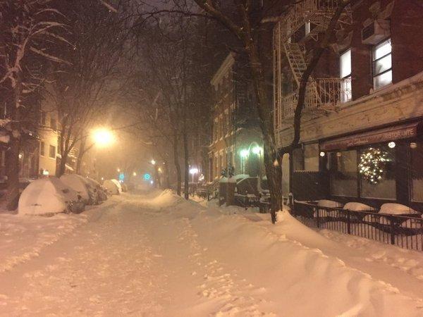 Deze foto is gemaakt door Cara Kalnow in West village (Manhattan) Foto via Twitter (@carak)