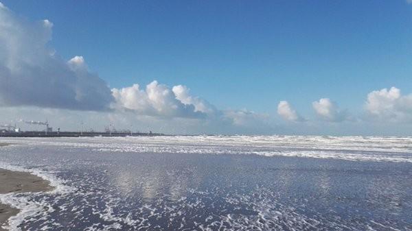 Ook AWM collega Maurice van den Boogaard stuurde een fraaie foto in vanaf Hoek van Holland.