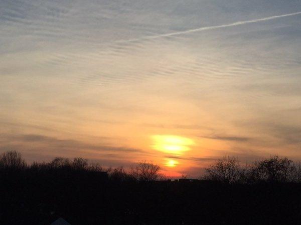 De zon ging ook weer fraai onder. Deze is van Jan Leijen.