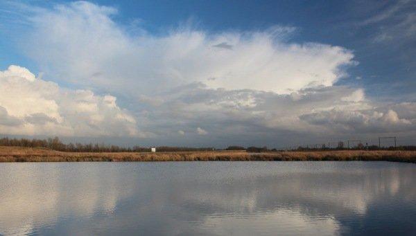De lucht was afwisselend fraai gisteren. Ook de komende dagen is dat het geval. Deze foto is van Martin Vye.