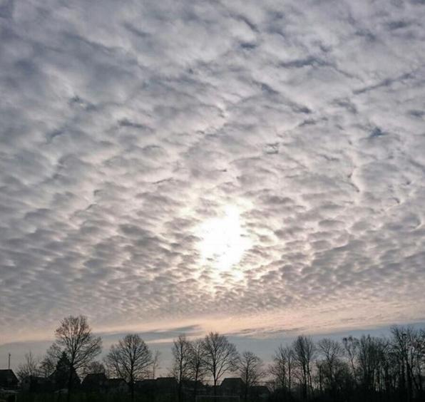 Fraaie lucht gisterochtend. Deze foto werd gemaakt door Fijja Schröder