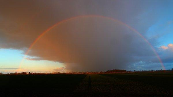 Buien met hagel kwamen gisteren aanvankelijk voor in het noordoosten. Deze foto is van Jannes Wiersema.