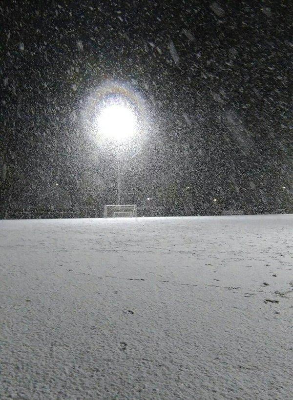 sneeuw in het oosten van het land. Deze foto werd gemaakt door Rik Arends in Berghuizen. (@rik_arends)