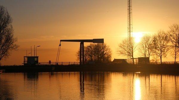 deze prachtige foto van de ondergaande zon werd gisteren gemaakt door Martin Vye.