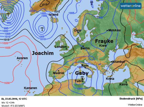 De weerkaart voor vandaag volgens ECMWF. Wij hebben nog altijd een noordwestelijke stroming aan de oostflank van het wegtrekkende hoog Joachim.