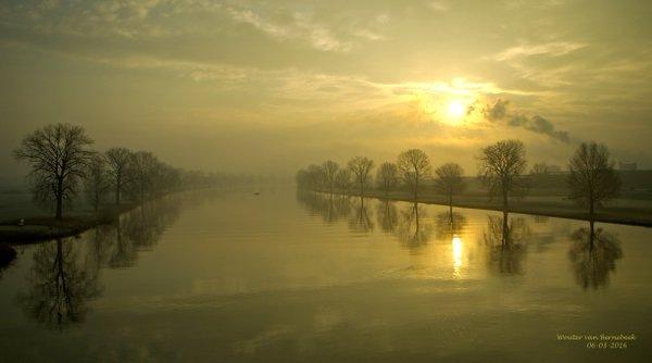 prachtige zonsopkomst gisteren. Foto gemaakt door AWM collega Wouter van Bernebeek.