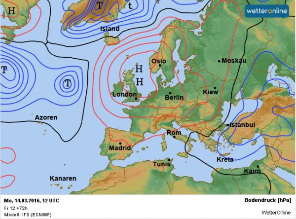 De weerkaart voor maandag volgens EC. Het hogedrukgebied zorgt nog altijd voor een noord tot noordoostelijke aanvoer van continentaal polaire lucht.