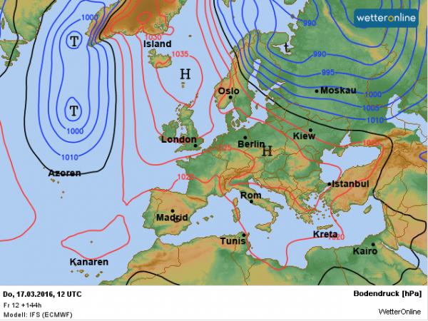 De verwachte weerkaart voor donderdag. Nog altijd is het hoog bepalend voor ons weer en hebben we een noordelijke stroming