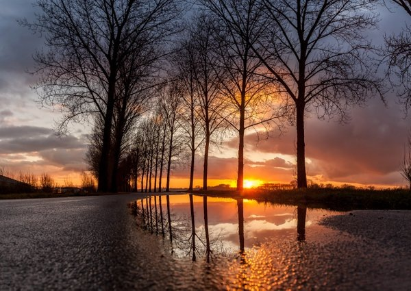prachtige zonsondergang gisteren gefotografeerd door de @betuwefotograaf Marinus de Keijzer.