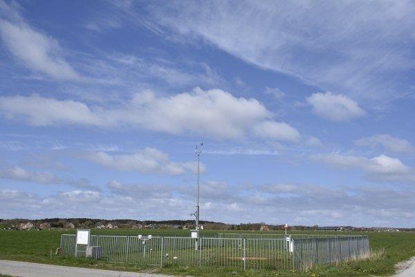 Veel zon boven het KNMI meetveld van Terschelling. Foto is van Sytse Schoustra.