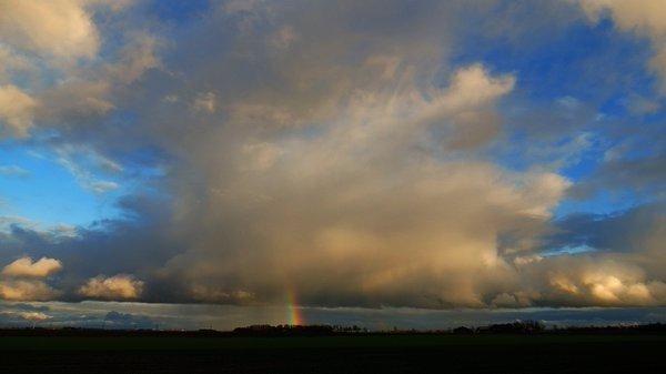 Buien met een ondergaande zon. Foto is van Jannes Wiersema.