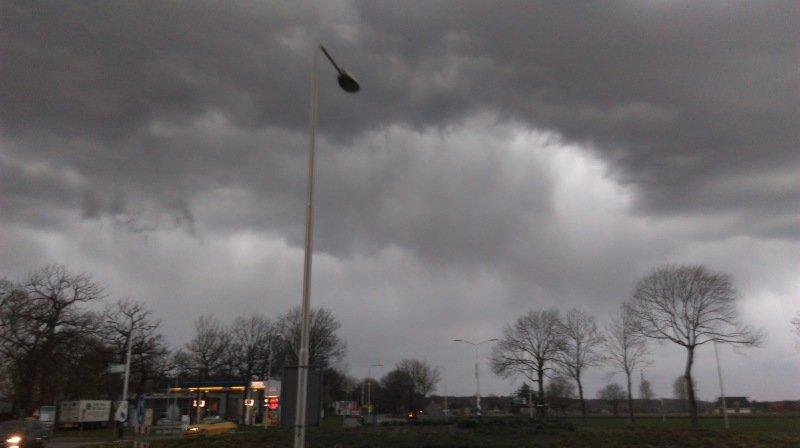 Ook AWM collega Sander Engelen maakte een foto van de onweersbui.