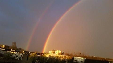 prachtige regenboog bij de onweersbui gisteravond boven Uithoorn. Foto is van André Willemsen