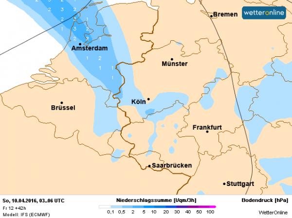 Morgenochtend om 8:00 uur ligt het regengebied van Limburg naar Noord-Holland over het land en het trekt geleidelijk verder naar het noordoosten. Bron: ECMWF.