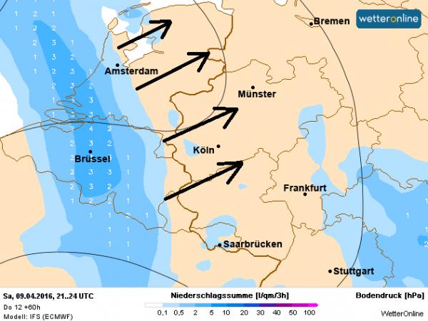 In de nacht naar zondag trekt er van zuidwest naar noordoost een gebied met regen over het land.