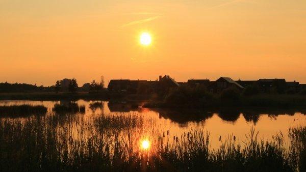 De zon nam gisteren afscheid van de lente. Foto: Martin Vye.