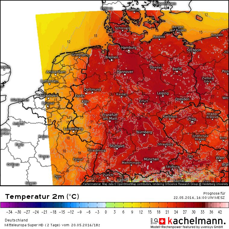 Temperaturen voor zondag 22 mei eind van de middag. In het oosten van Duitsland en noorden van Oostenrijk ligen de temperaturen op grote schaal boven de 27 graden, lokaal is 30 graden mogelijk. Ondertussen is het koudefront goed te zien in de lijn van Hamburg en Zürich. Bron: Kachelmannwetter.