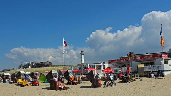 Het was gisteren al prima strandweer en de komende dagen wordt het alleen maar beter. Deze foto werd gemaakt door Sjef Kenniphaas.