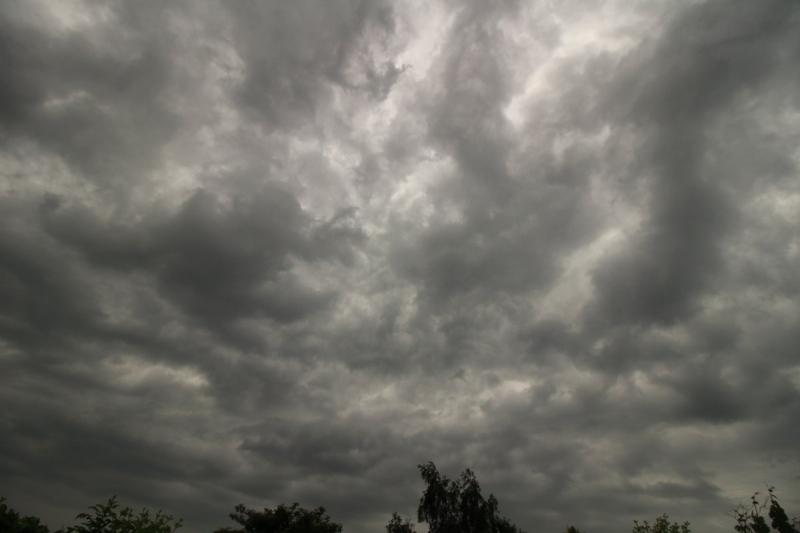 Gisteravond ware er weer woelige luchten zichtbaar. Ook deze foto is van Martin Vye.