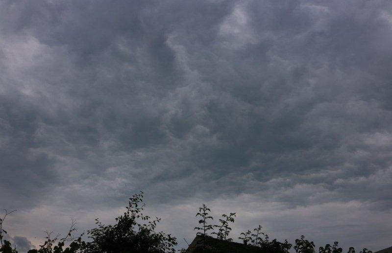 In de middag was de lucht al erg onrustig, maar meer dan wat gedrup viel er niet bij Martin Vye.
