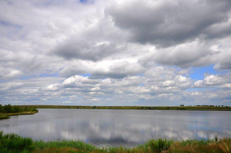 een mix van zon en wolken gisteren in het zuiden. Foto is van Ben Saanen.