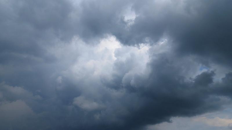 Woelige wolken gefotografeerd door Jannes Wiersema.