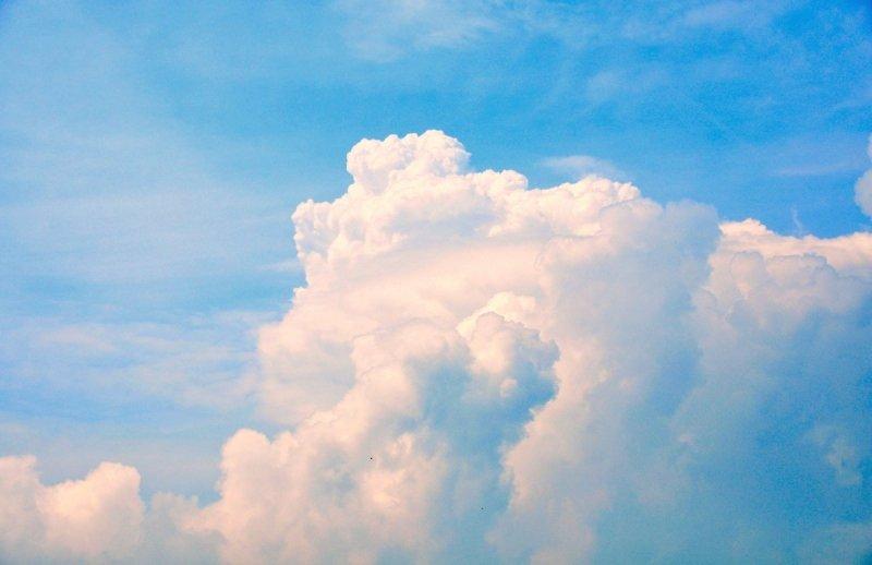 De wolken schoten weer de lucht in. foto is van Ben Saanen.