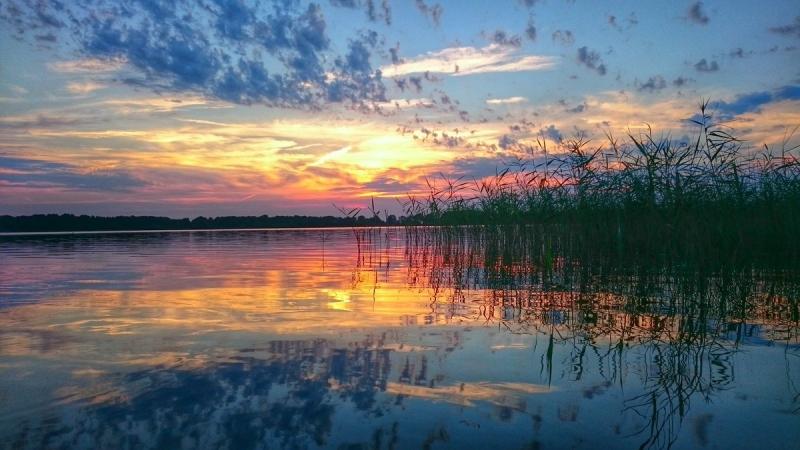 De zonsondergang was fraai, getuige het aantal foto's wat ik kreeg. Deze werd gemaakt door Henk Haveman.