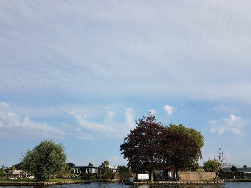 Gisteren waren er al 'onweersverklikkers' zichtbaar. De kans op onweer is vooral later vandaag groot. De foto maakte ikzelf.