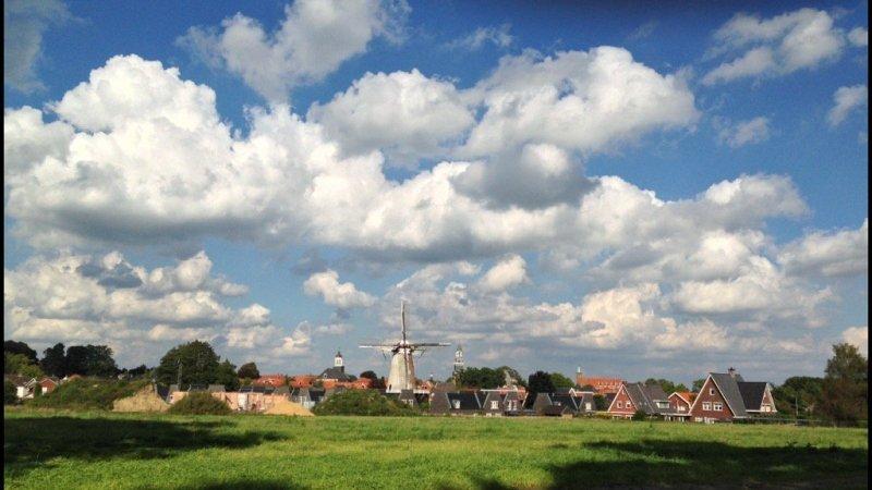 Het was gisteren ook al prachtig weer met een mix van zon en wolken. De foto werd gemaakt door Truus Wijnen.