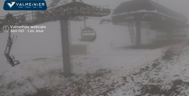 Ook in Valmeinier een beetje viel er een beetje sneeuw afgelopen nacht. (www.valloire.net)
