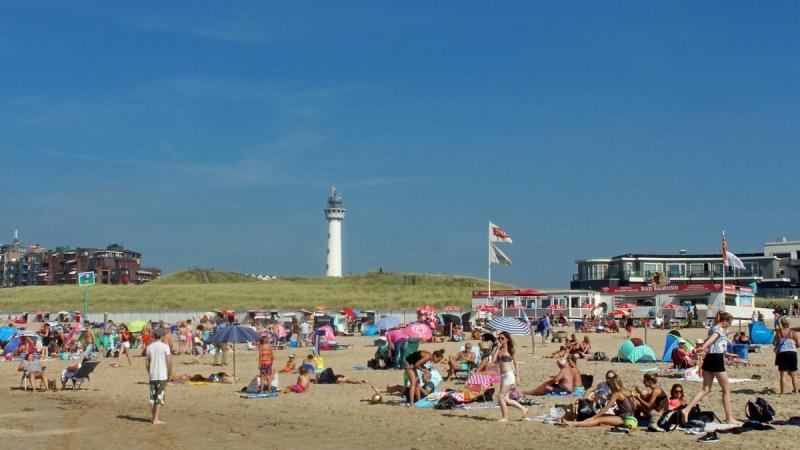 het was gisteren en het is ook vandaag prima strandweer. Deze foto werd gemaakt door Sjef Kenniphaas.