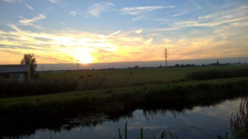 Bij Elske Kevie ging de zon fraai onder, getuige deze schitterende foto.