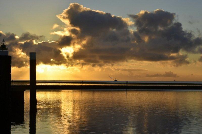 Ook op Terschelling een fraaie zonsopkomst. Deze foto werd gemaakt door Sytse Schoustra.