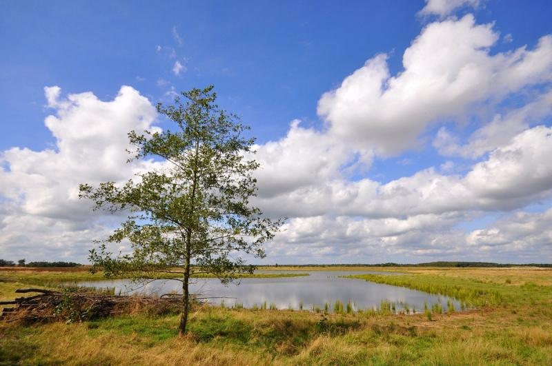 Ook Ben Saanen maakte weer een mooie foto van wolkenvelden en flinke opklaringen.