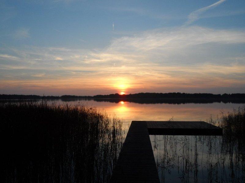 de zon ging niet alleen fraai op, maar ook weer fraai onder. Deze foto werd gemaakt door Albert Thibaudier
