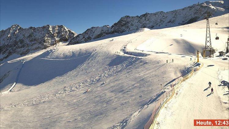 Op de Gletscher in Sölden is het volop zonnig vandaag met temperaturen rond de +2 graden. Bron: Bergfex
