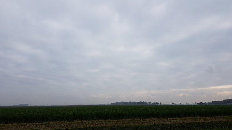 het was niet overal een mooie dag. In het noordoosten was het wederom een grijze, bewolkte dag. De foto werd gemaakt door Jannes Wiersema.
