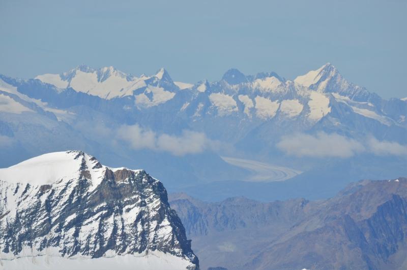 Vanaf de Signalkuppe kunnen zelf de Berner Alpen en de Grote Aletschgletsjer zien liggen.