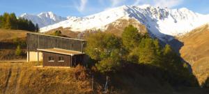 Winter en herfst op één beeld. Prachtig weer in Valloire. Bron: http://valloire.roundshot.com/
