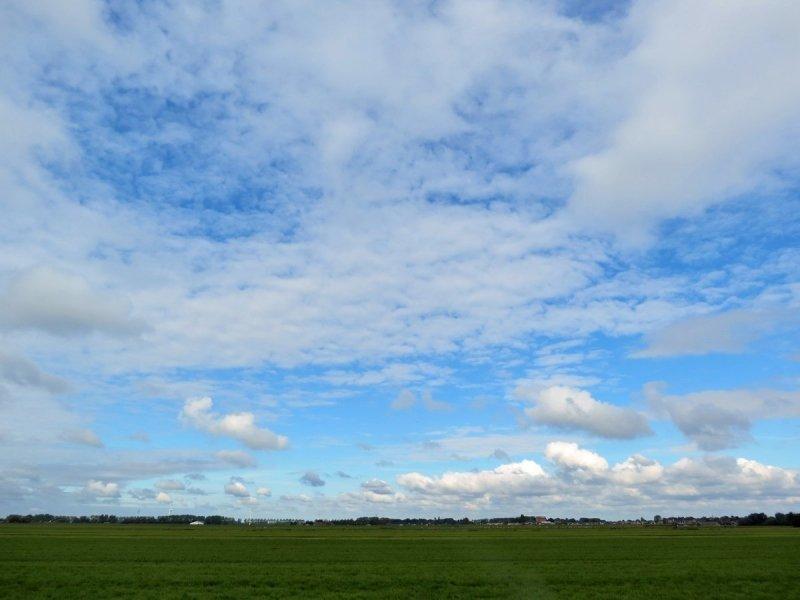 In de middag klaarde het in het westen van het land tijdelijk wat op. De foto werd gemaakt door Ton Wesselius.