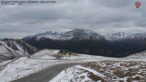 Veel bewolking met kans op wat motsneeuw vandaag in Oostenrijk. Bron: Mesenatenhütte, Wallackhaus