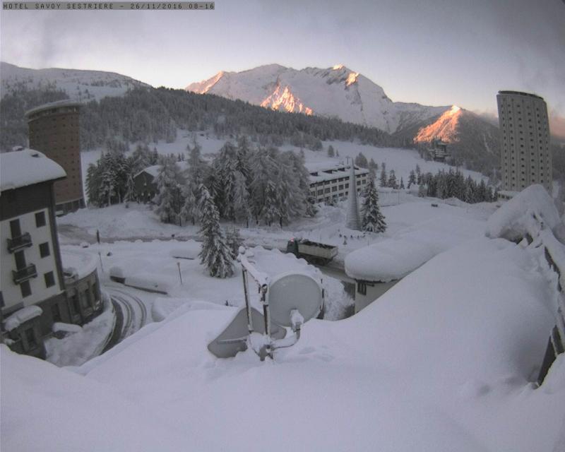 Na de sneeuw komt de zon. Hier in Sestrière viel de voorbije dagen meer dan een meter sneeuw. Bron: twitter Severe-Weather Europe