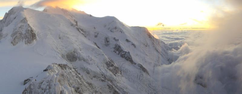 Opklarend weer op de top van de Mont Blanc. Bron: bergfex.at