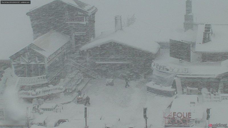 Zeer intense sneeuwval momenteel in Val d'Isere. Bron: bergfex.at