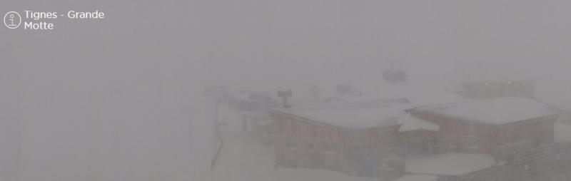 Ook slechte condities op de gletsjer in Tignes vandaag. De Franse Alpen profiteren deeld mee van de sud-sudest stau. Bron: tignes.com