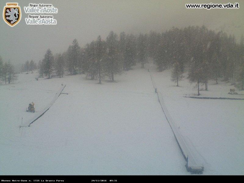 Momenteel valt de meest intense neerslag in het nationaal park van de Gran Paradiso. Hier in Rhemes Notre Dame sneeuwt het goed door. Bron; bergfex.com