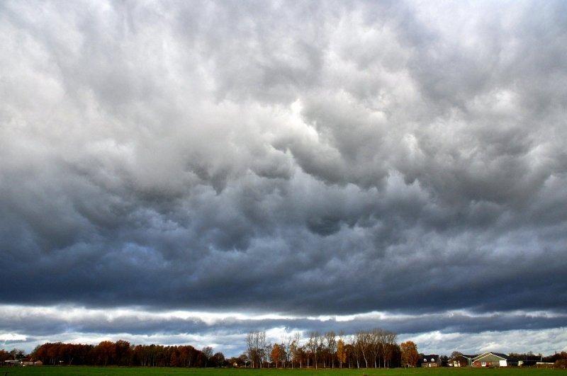 deze woelige luchten werd gefotografeerd door Ben Saanen.