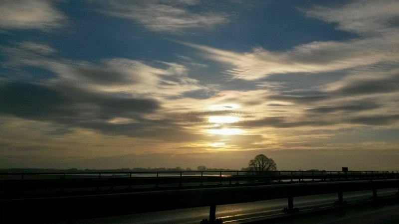 Gisteren hadden we een mix van zon en wolken. Deze foto werd in de ochtend gemaakt door Ab Donker.